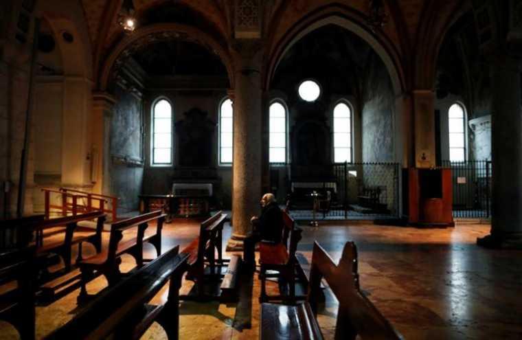 172 Κορίνθιοι επώνυμα ζητούν να ανοίξουν οι Εκκλησίες - Ποιοί υπογράφουν