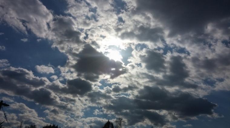 Καιρός, τοπικές βροχοπτώσεις, διαστήματα ηλιοφάνειας, Κορινθία