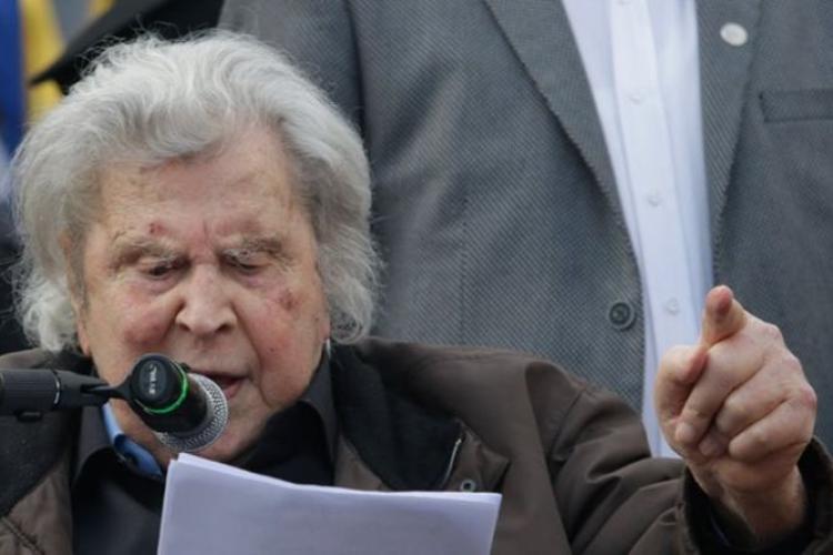 Μακεδονία, Μίκης Θεοδωράκης, συγκέντρωση, Σύνταγμα